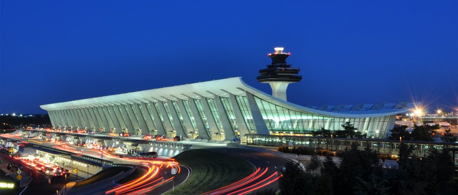 Washington_Dulles_International_Airport_at_Dusk_940x400